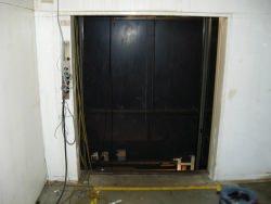 エレベーター撤去作業4